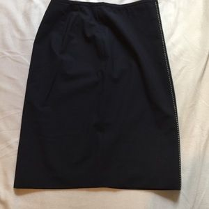 Loft size 2 skirt